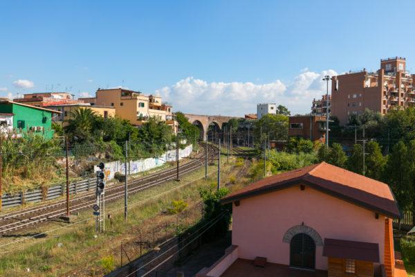 Vendita Ampio Trilocale Casilina Piazza Lodi E. 258000