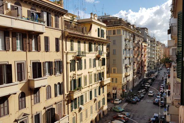 Vendita Appia Via Eurialo E 178000