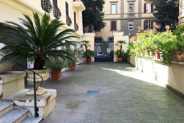 Locazione ampio bilocale Corso Trieste E 800