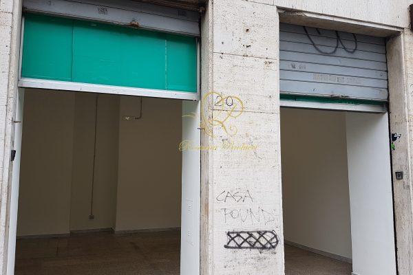 Locazione locale C/1 Tuscolana Piazza S. M. Ausiliatrice E 850