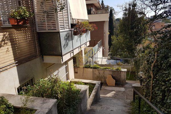 Locazione loft Cassia Via Gradoli E 550 comprese spese condominiali