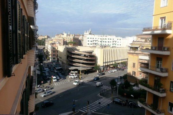 Locazione ampio bilocale San Giovanni Via Gabi E 948