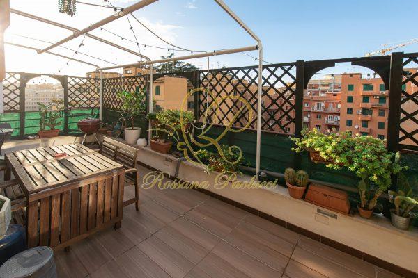 Locazione Delizioso bilocale con terrazzo San Lorenzo E 1000