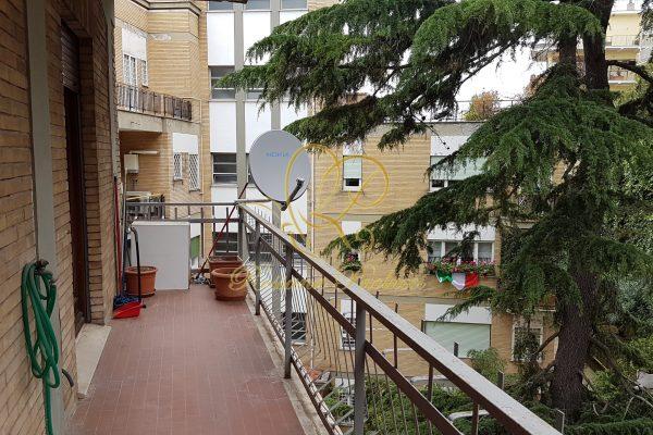 Locazione bilocale vuoto Trionfale Via Abano Terme E 700