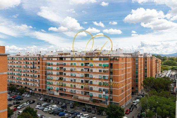 Vendita trilocale ottavo ultimo piano Magliana Via Dell'impruneta E 208000